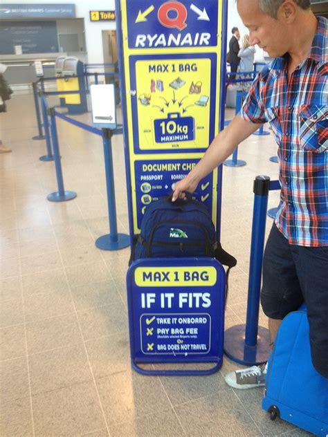 cabin luggage ryanair ryanair cabin baggage limits and allowance cabin baggage