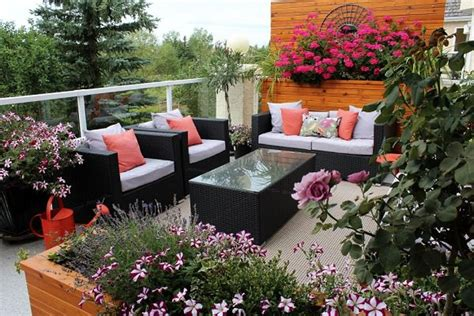 Balcony Garden Idea 10 Tips To Start A Balcony Flower Garden Balcony Garden