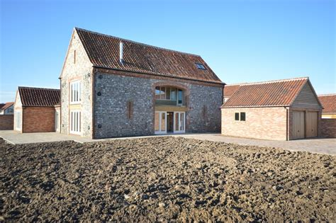 4 bedroom barn conversion for sale in ringstead pe36