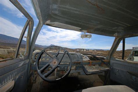 camion americain interieur int 233 rieur d un camion am 233 ricain abandonn 233 image stock