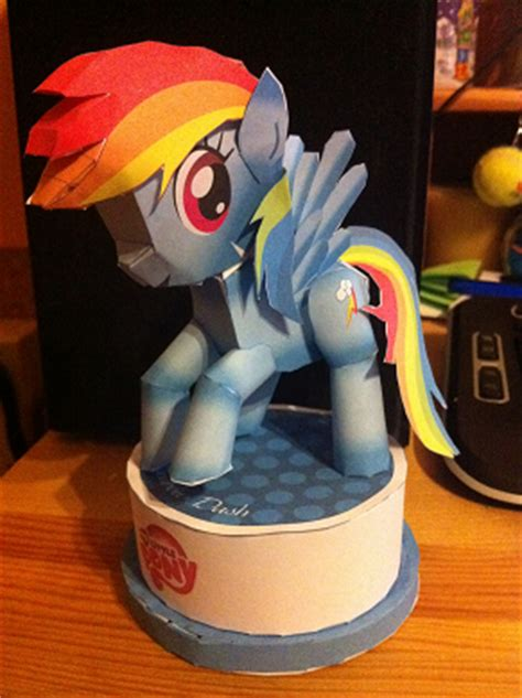 Rainbow Dash Papercraft - rainbow dash papercraft by lerainbowdash on deviantart
