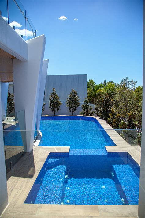 dynamic pool designs concrete swimming pool builders