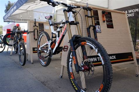 Shock Fox Downhill Soc15 Fox Upgrades 32 34 And 36 Forks With Fit4 Der