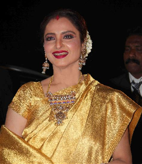 rekha biography in hindi र ख क ज वन पर चय rekha biography in hindi deepawali