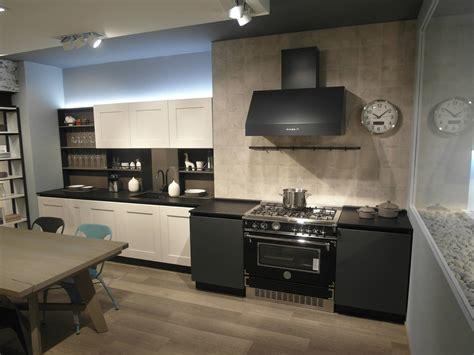 scavolini o veneta cucine veneta cucine cucina mod dialogo in legno di rovere