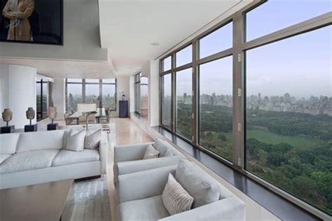 spectacular manhattan penthouse  impressive city views