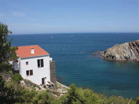 maison au bord de l eau 926 grande maison au bord de la mediterranee su homelidays