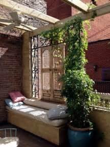 terrasse sichtschutz sichtschutz f 252 r terrasse und balkon drau 223 en versteckt