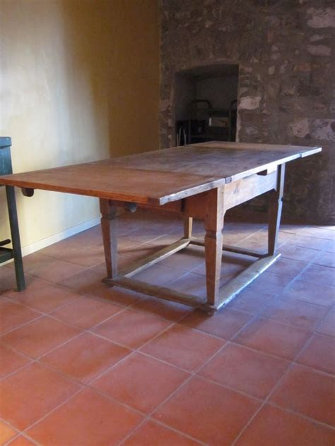 sober  century french country dining table  sale