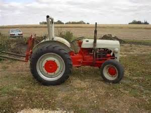 1940 ford 9n antique tractor