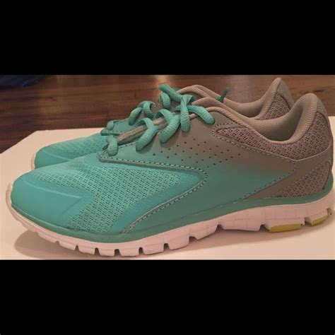 tennis shoes size 2 80 chion other s size 2 chion brand