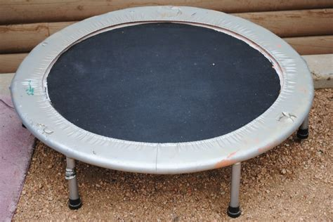 Outdoor decor lounge use this small trampoline to make a hanging swing chair as seen on