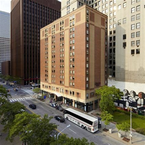 comfort inn downtown cleveland hton inn cleveland downtown updated 2017 prices
