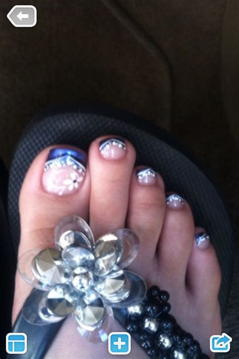 flower design on toes flower toe nail design nail art pinterest