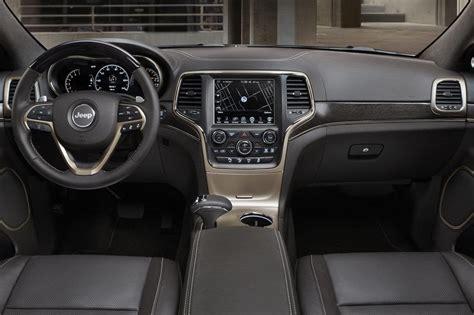 2013 jeep grand interior