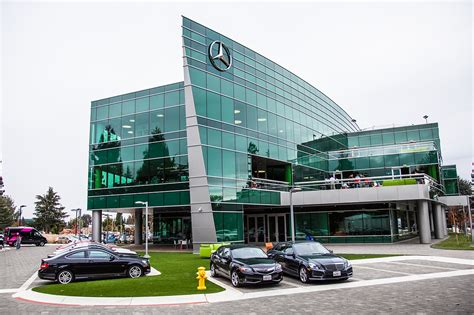 mercedes headquarters daimler relocating headquarters to michigan