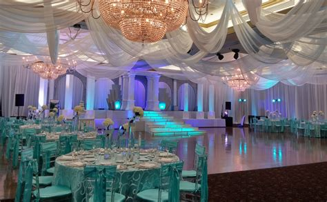 Lighting Crystal Chandeliers The Signature Grand Partyspace
