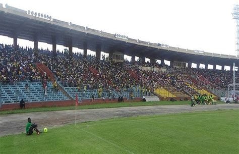 208141693x le suspendu de conakry la fifa menace de suspendre le stade du 28 septembre de