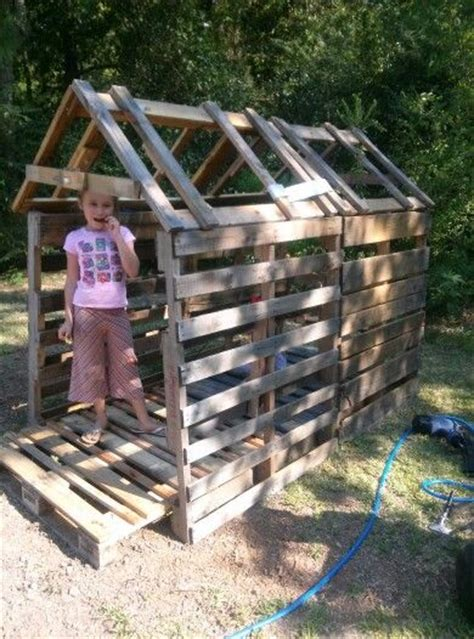 pallet club house  add siding  roof cheap