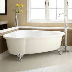 size of clawfoot tub