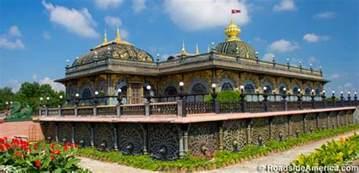 Simple Chandeliers Prabhupada S Palace Of Gold New Vrindaban West Virginia