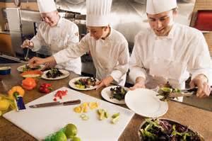 formation acc駘駻馥 cuisine ateliers de cuisine en brigade