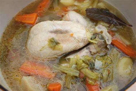 cuisiner la poule recettes de viande bouillie les recettes les mieux not 233 es
