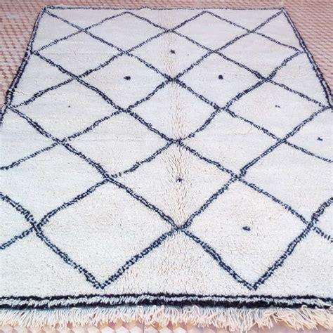 Tapis Marocain by Tapis Beni Ouarain Blanc Noir 190 X 280 Cm D 233 Coration