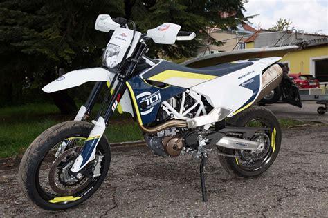 Motorrad 125 Ccm Supermoto by Husqvarna Sm 125 S Bilder Und Technische Daten