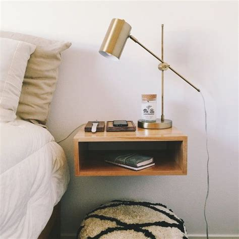 Floating Bedroom End Tables 1000 Ideas About Floating Nightstand On