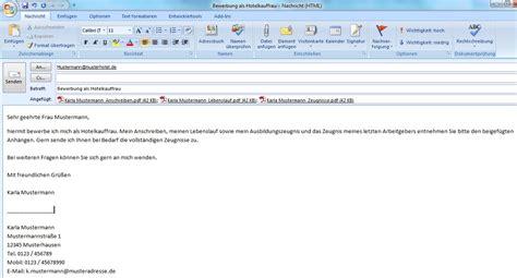 Lebenslauf Vorlage Email Der Weg Zu Deiner Perfekten E Mail Bewerbung
