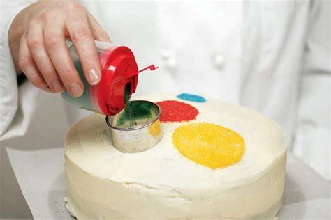 decorar tartas en casa 5 ideas sencillas para decorar tartas de cumplea 241 os en casa