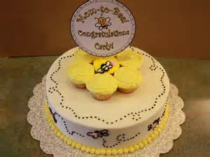 biene kuchen cakes bumble bee cake with pink hearts