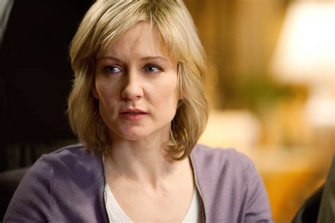 linda reagan hairstyle blue bloods what happened to linda on blue bloods closer weekly