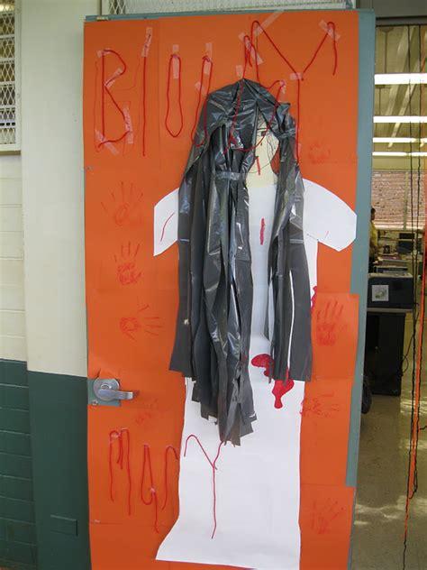 highlands intermediate student activities halloween door