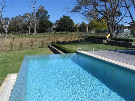 Outdoor Kitchen Cabinets Melbourne Infinity Edge Pool