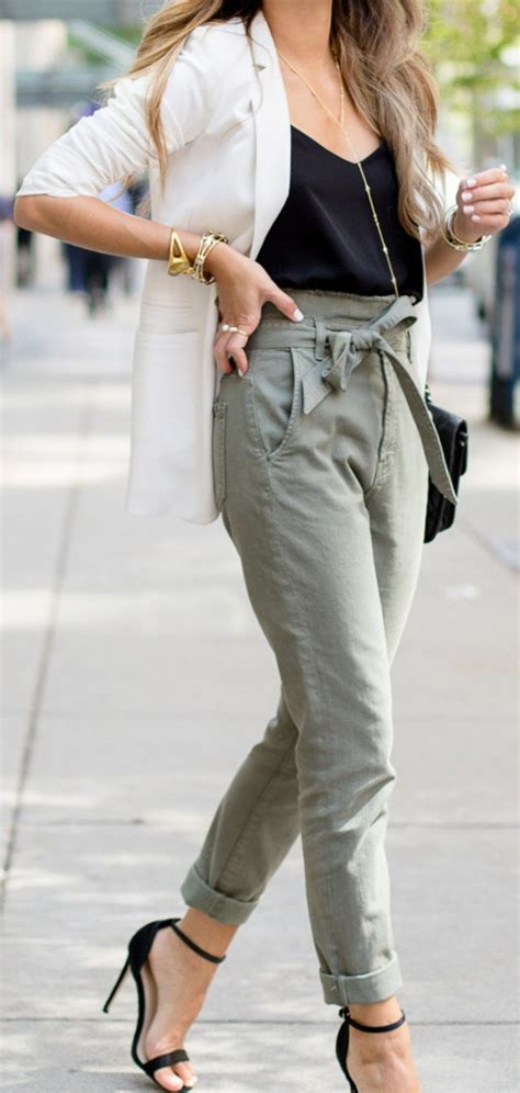 Kate Olsens Paperbag Waist Trousers From Asos by Fashion Trends Daily 30 Great Fall On The