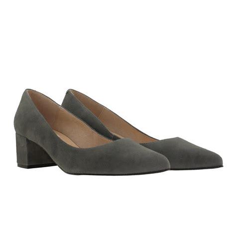 zapatos de salon zapatos tac 243 n bajo ante gris gala