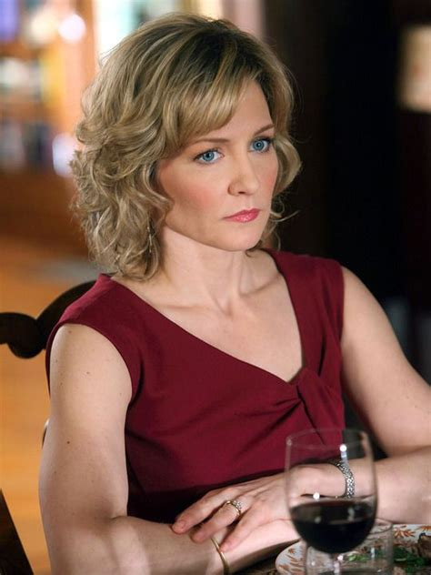 linda from blue bloods new haircut amy carlson summer palette pinterest