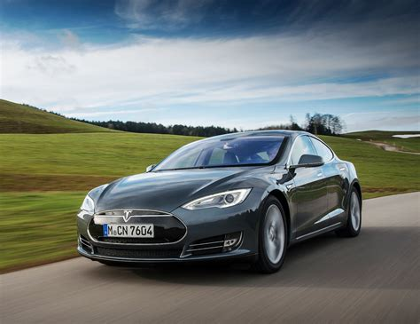 Tesla Range Anxiety Tesla Model S Is Now More Connected To Reduce Range