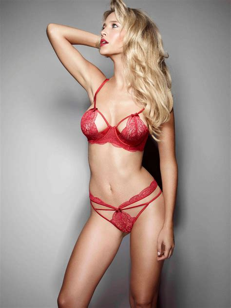 Harding Models New Ultimo Collection by Luisana Lopilato For Ultimo S Black Label Collection Fw