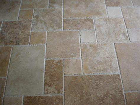 Simple Unorganized Travertine Tile Patterns Design Rustic