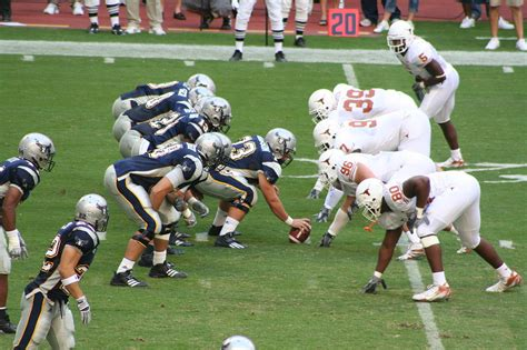 Rice Vs Ut Mba by File College Football Rice Owls Vs Longhorns Jpg