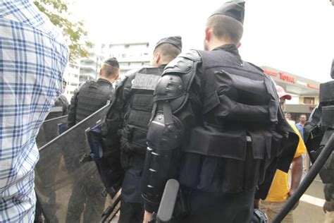 anafe zone d attente violences polici 232 res dans la zone d attente de toulouse