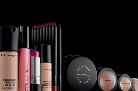 Top 7 Must Mac Products by Top 7 Mac Makeup Products That Every Should