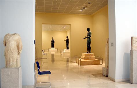 museum room file 7259 piraeus arch museum athens rooms of the bronzes photo by dall orto