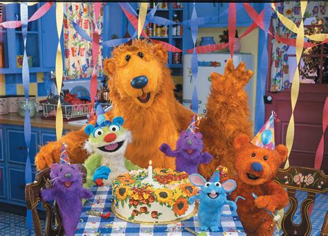 bear in the blue house this is what the man who played bear in the big blue house looks like today meet
