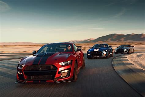 2020 Mustang Gt500 Vs Dodge by 2020 Mustang Shelby Gt500 Hear The Mighty Roar Of The