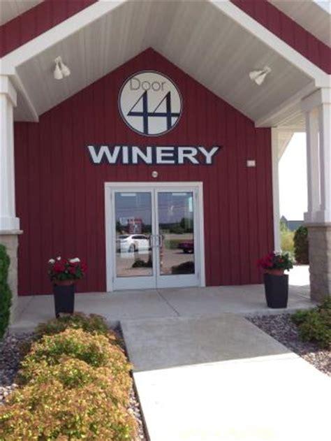 Door 44 Winery by Simon Creek Vineyard Winery Sturgeon Bay Wi Top Tips