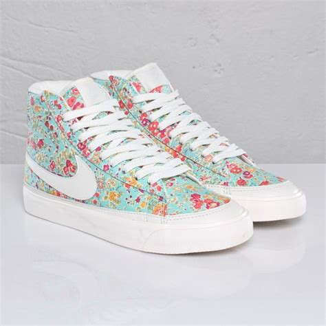nike blazer fiori nike blazer fiori nike dunk lueur dans les chaussures fonc 233 es